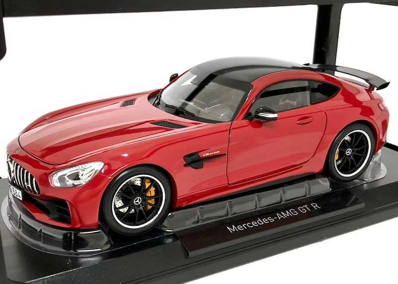 NOREV 1/18スケール「メルセデスAMG GT R 2017」(レッド)ミニカー